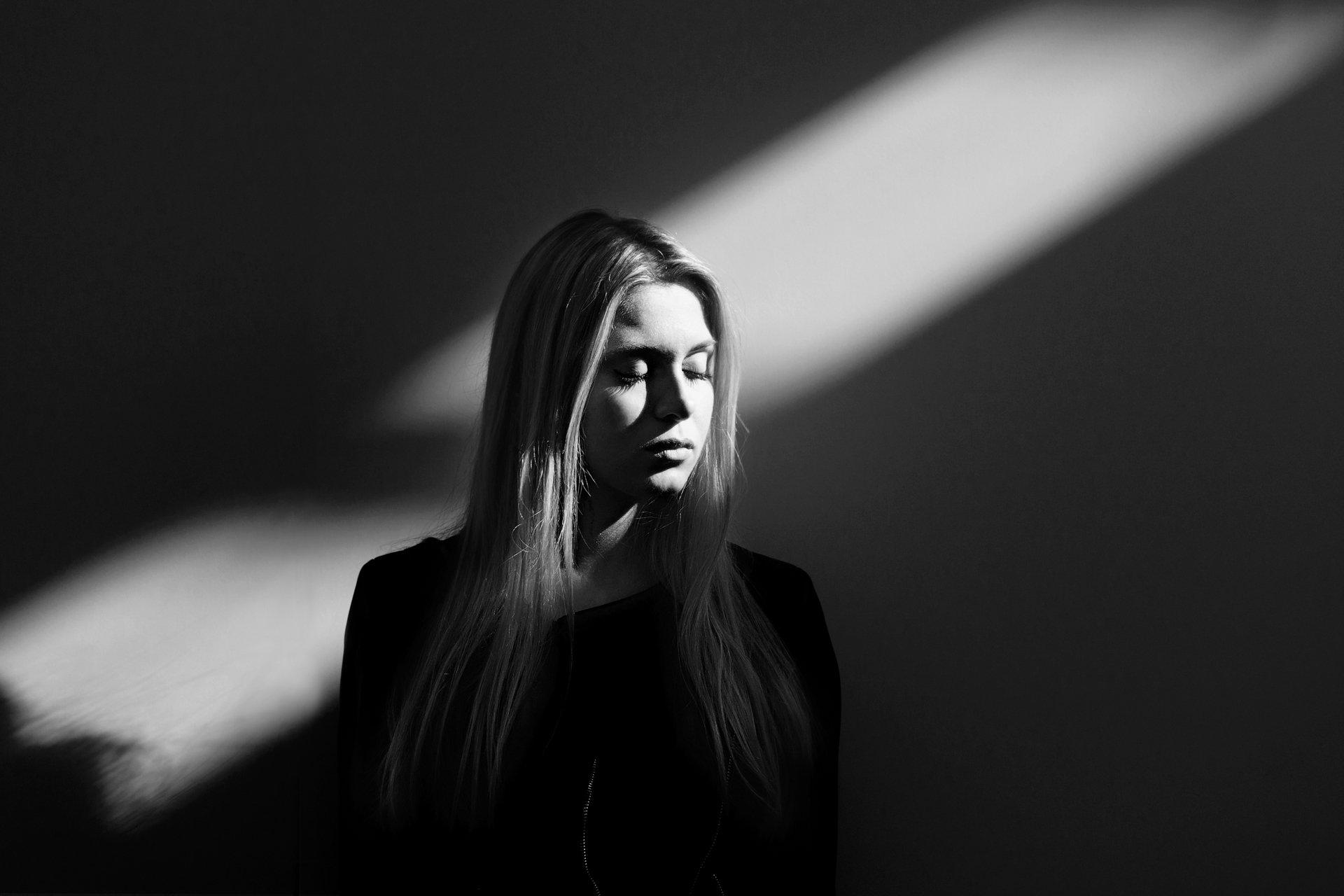 MEET THE LIGHT - Fotografia di Massimiliano Ferrari