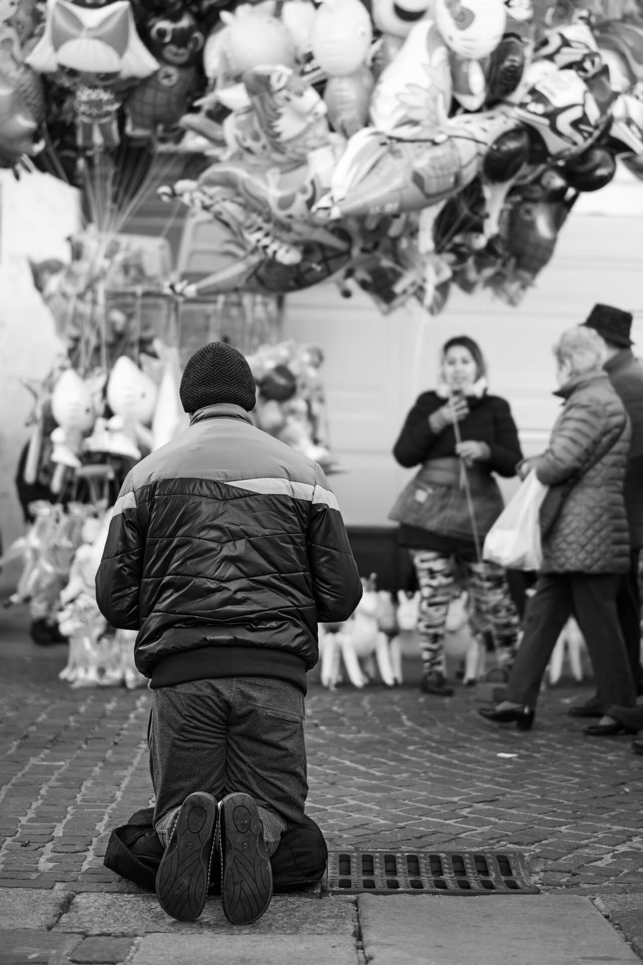 INVISIBILI - Reportage di Massimiliano Ferrari - Fotografo in Brescia