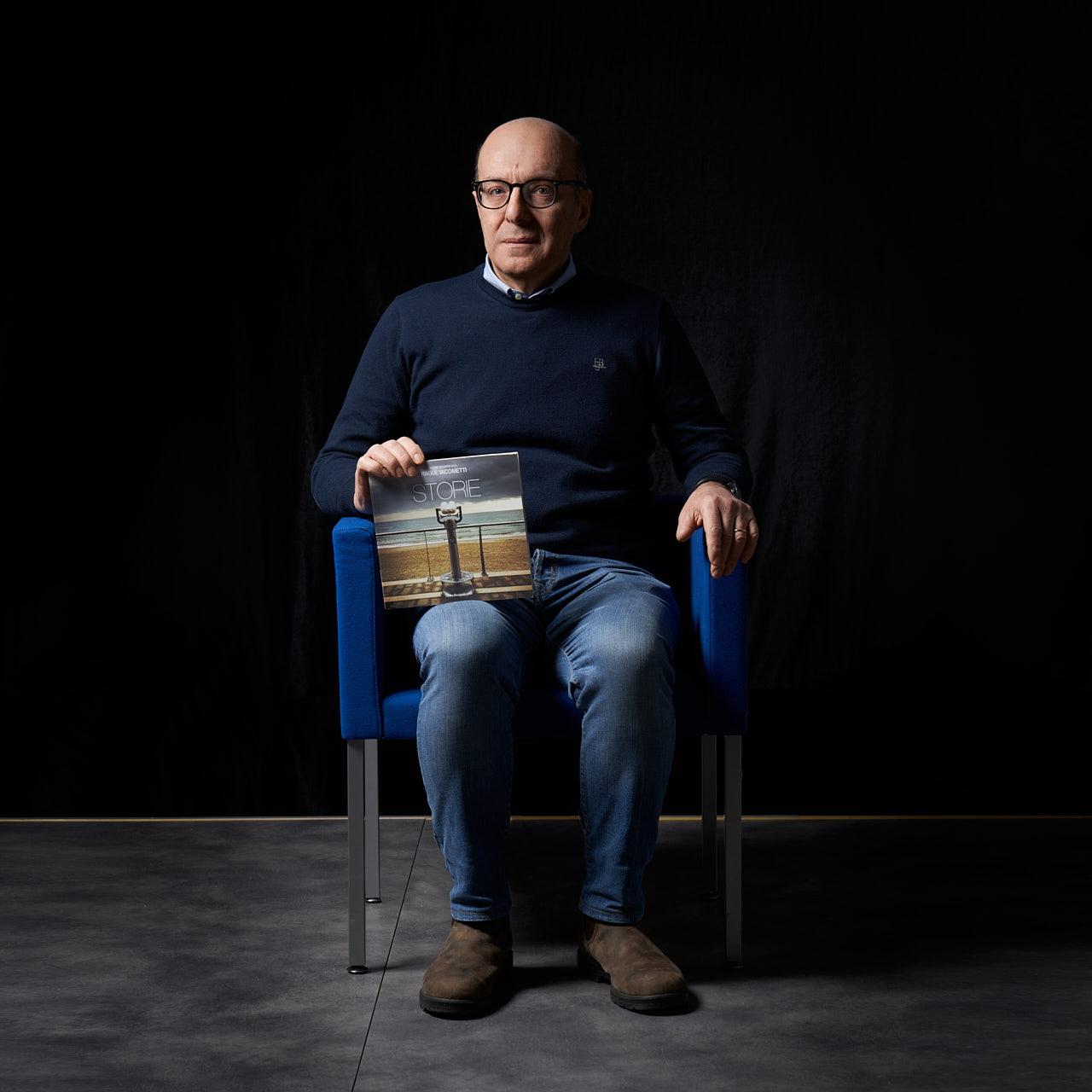 #INCIPIT - FOTO D'AUTORE COL LIBRO DEL CUORE - Fotografia di Massimiliano Ferrari Brescia per GIAMBATTISTA UBERTI